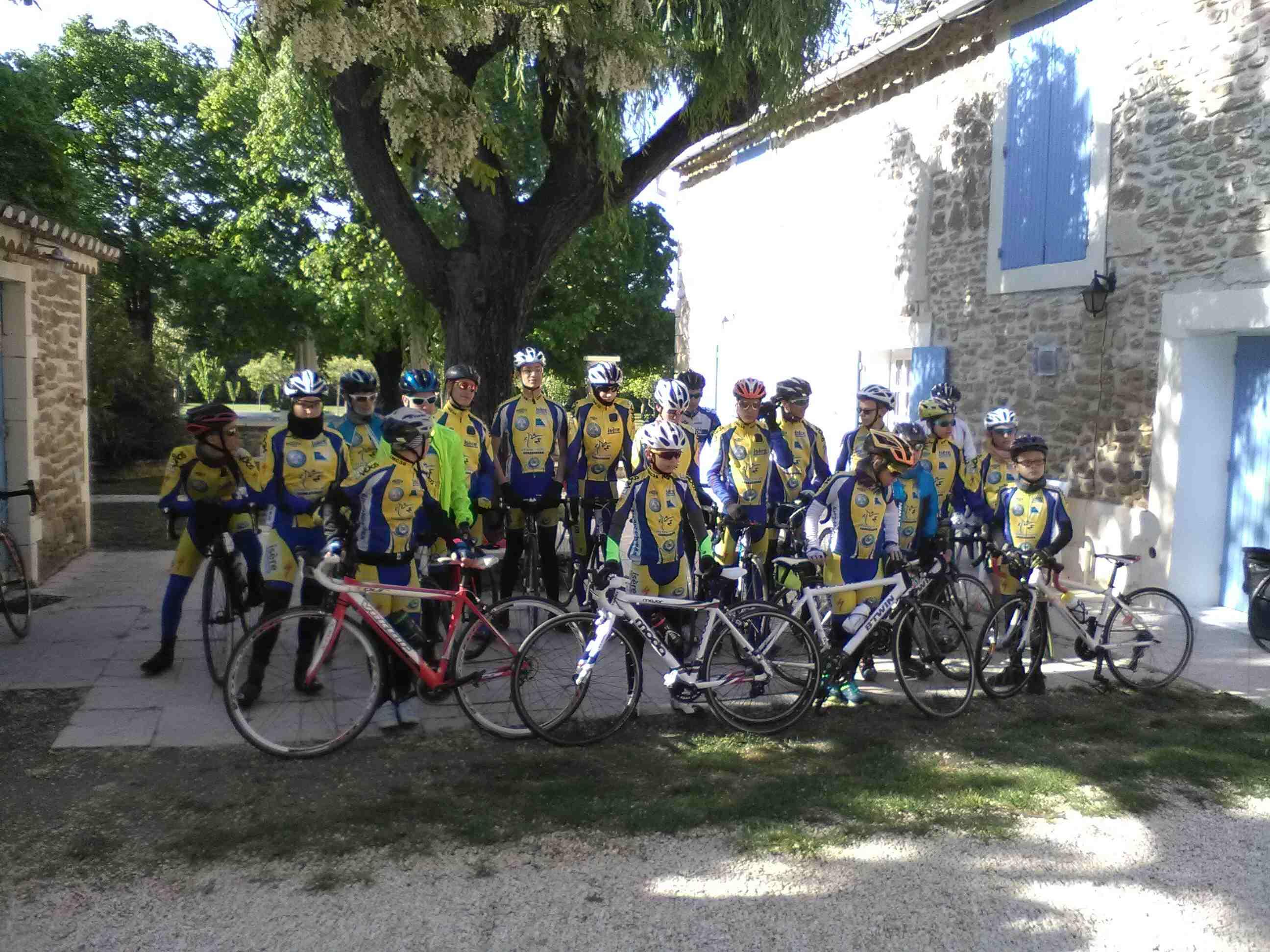 Stage école de cyclisme à Valréas : on a travaillé avec le vent !!!